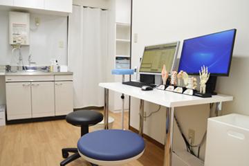 西宮・甲東園のささき整形外科・設備紹介ページの写真コーナー。第一診察室の様子です。